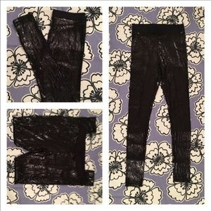 SALE ⌛️NWT Black sequin leggings.